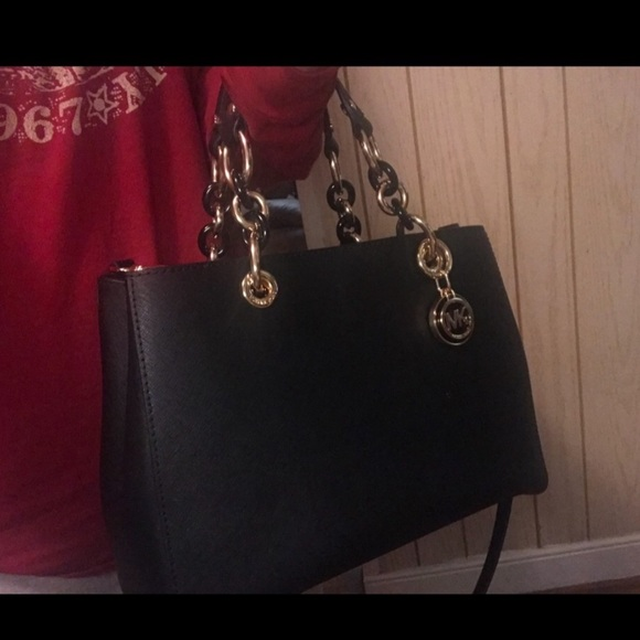 Michael Kors Handbags - Beautiful Michael Kors Cynthia